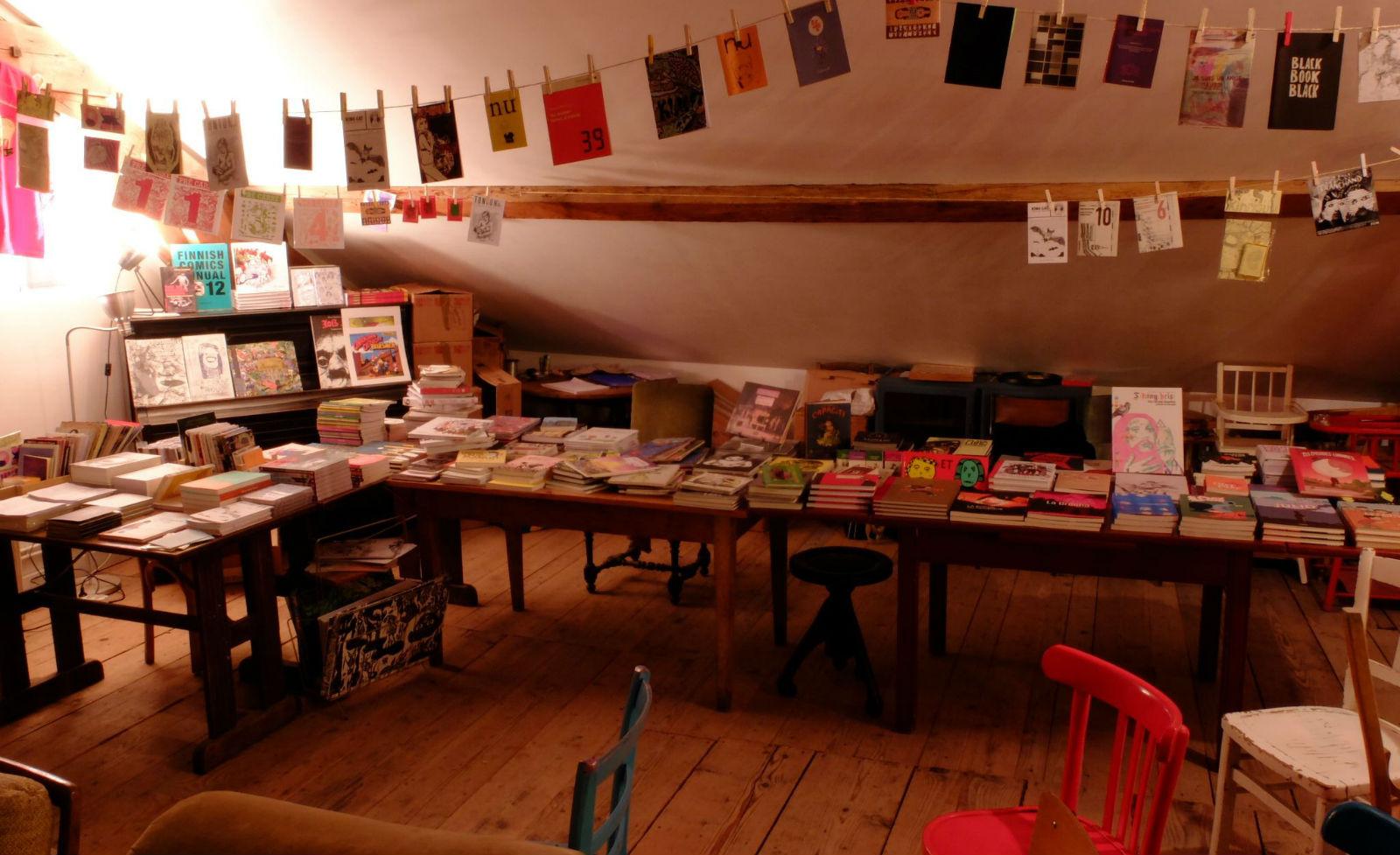Week-end à L'Entrepot, vendredi soir: la Petite Librairie est prête!