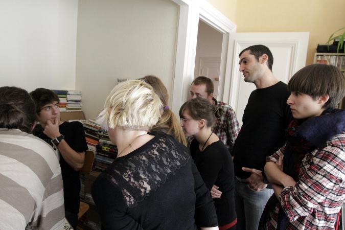 Les auteurs et étudiants juste avant de démarrer les 24 heures de la bande dessinée!
