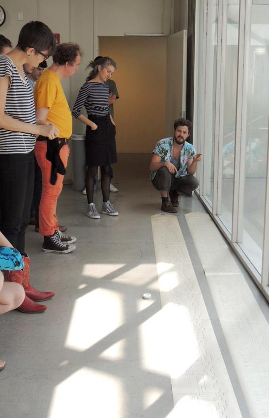 Pierre Ferrero propose son idée sur le projet de Zak Sally.