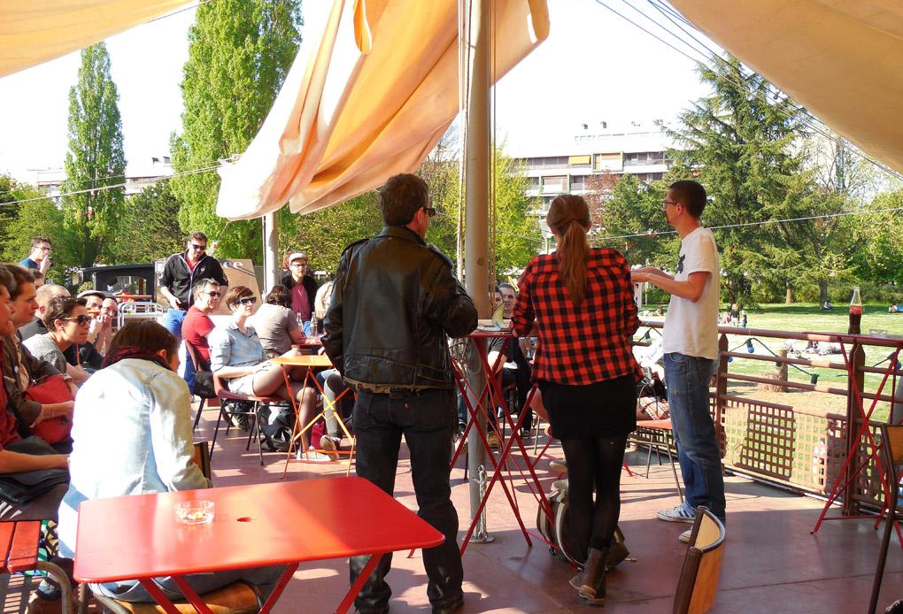 Petite discussion à l'issue de la projection, avec Francis Vadillo (à gauche) et Oriane Lassus (au milieu).