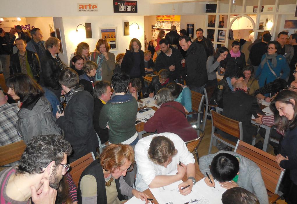 Des auteurs, du public: pas mal de monde au Café Una Volta!