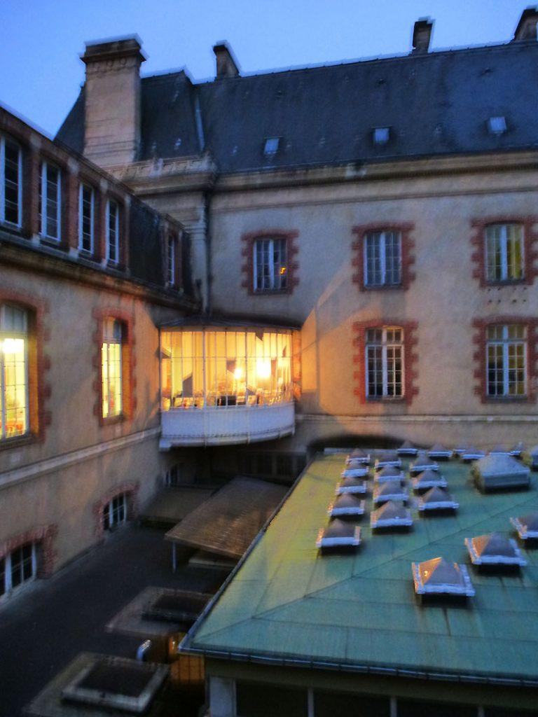 Spéléographies 2016: une autre vue de l'Hôtel Pasteur, de l'intérieur.